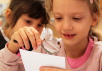Emma und Philipp bauen einen Schneemann: Lerntablett