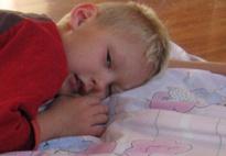 Wie man sich bettet - unterschiedlich gefüllte Kissen