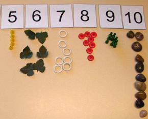 Kindergarten Zaehlspiel Alltagsmaterialien